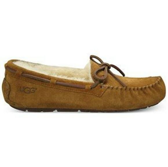 841556635f058 uggs Shoes - Uggs Dakota Women s Moccasins